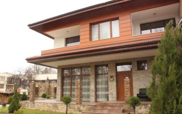 Отель Club House Artemida Болгария, Правец - отзывы, цены и фото номеров - забронировать отель Club House Artemida онлайн вид на фасад
