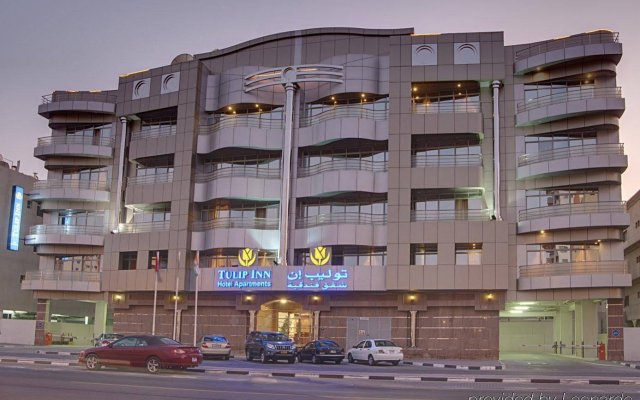 Отель Tulip Inn Al Qusais Dubai Suites вид на фасад