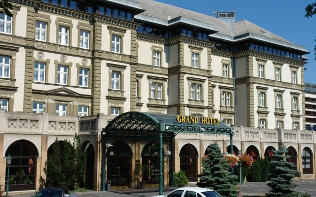 Отель Ensana Grand Margaret Island Венгрия, Будапешт - - забронировать отель Ensana Grand Margaret Island, цены и фото номеров вид на фасад