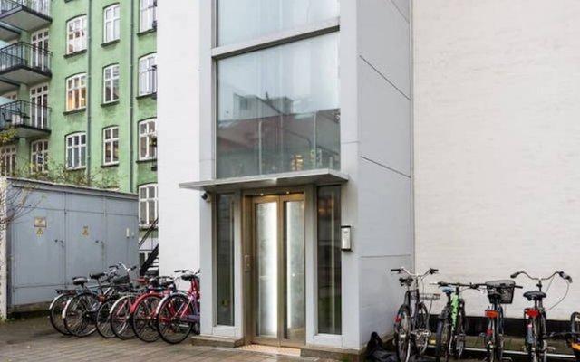 Апартаменты 3-bedroom Pure-LUX Apartment вид на фасад