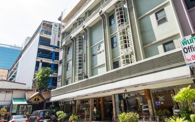 Отель Wall Street Inn Бангкок вид на фасад