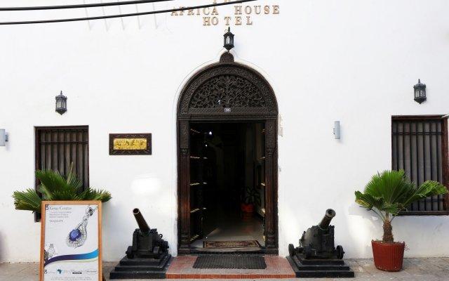 Africa House Hotel вид на фасад