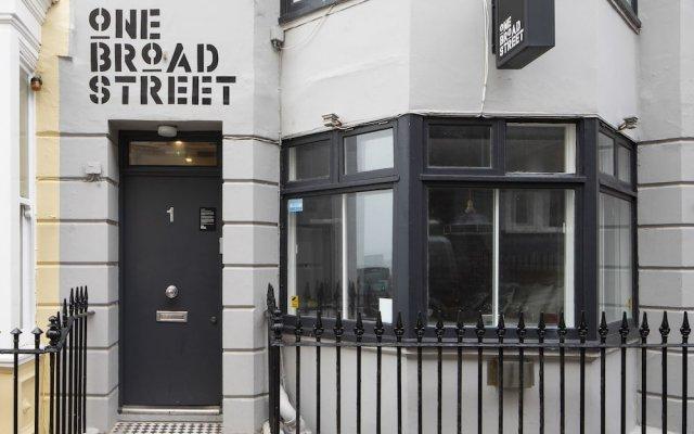 Отель One Broad Street Великобритания, Кемптаун - отзывы, цены и фото номеров - забронировать отель One Broad Street онлайн вид на фасад
