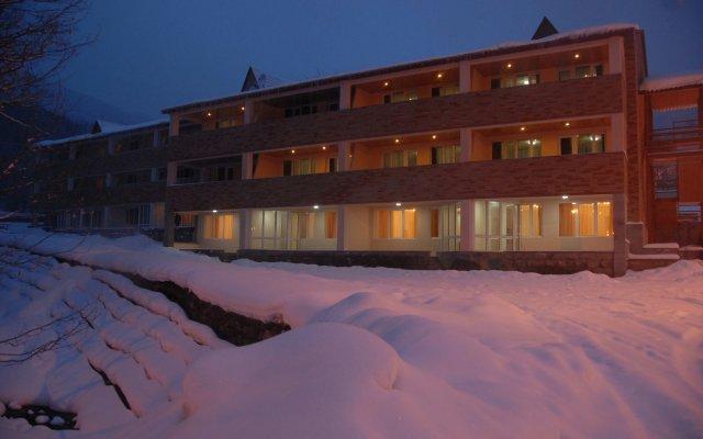 Отель Цахкаовит вид на фасад