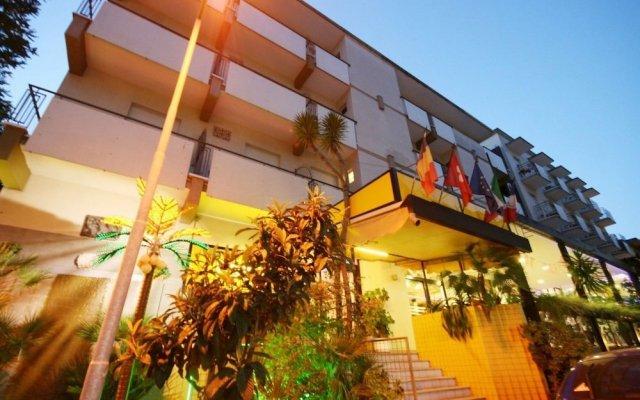 Hotel Arlino вид на фасад