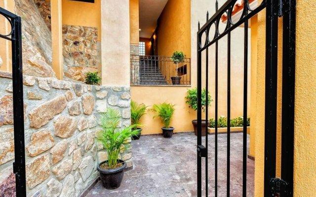 Отель Casa Cathleen Мексика, Педрегал - отзывы, цены и фото номеров - забронировать отель Casa Cathleen онлайн вид на фасад