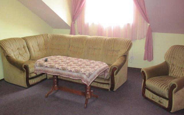 Отель Nikolas Львов комната для гостей