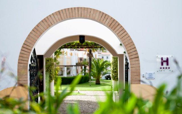 Luz Bay Hotel вид на фасад