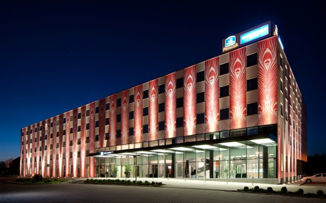 Best Western Premier Krakow Hotel вид на фасад