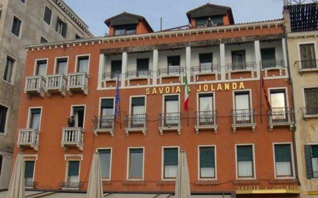 Hotel Savoia & Jolanda вид на фасад