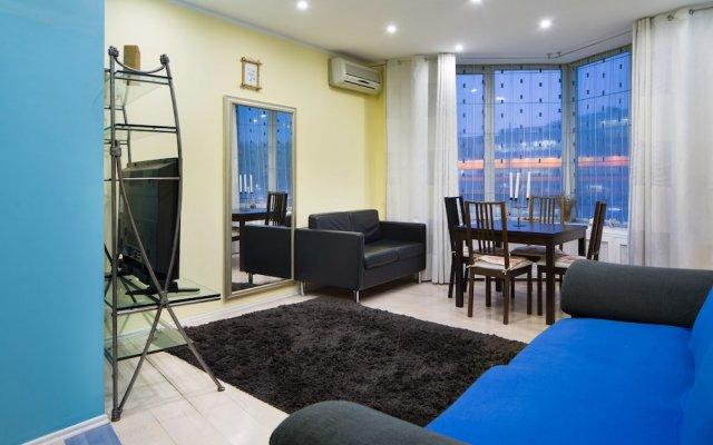 Гостиница MosApts Zemlyanoy Val 52 комната для гостей