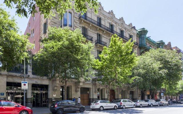 Отель Petit Palace Museum Испания, Барселона - 2 отзыва об отеле, цены и фото номеров - забронировать отель Petit Palace Museum онлайн вид на фасад