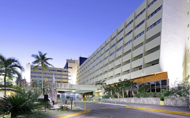 Dominican Fiesta Hotel & Casino вид на фасад
