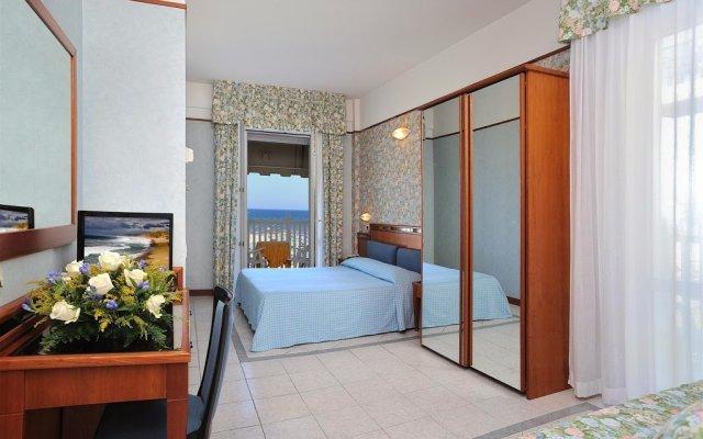 De France Hotel Римини комната для гостей