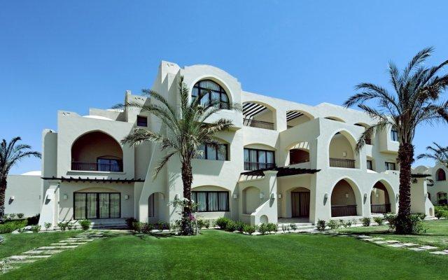 Отель Jaz Makadi Saraya Palms (ex Iberotel) вид на фасад