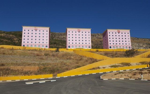 iu Hotel Lubango вид на фасад