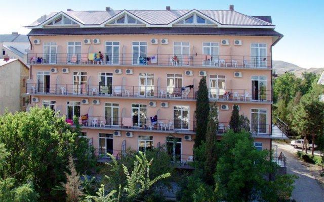 Гостиница Пансионат Творческая Волна вид на фасад
