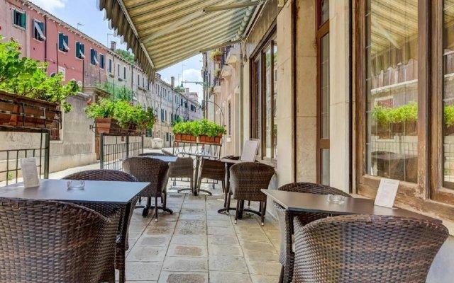 Отель Hesperia Италия, Венеция - 2 отзыва об отеле, цены и фото номеров - забронировать отель Hesperia онлайн вид на фасад