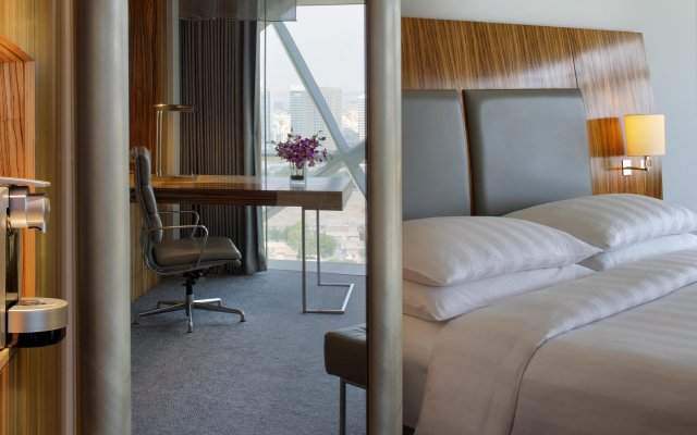 Отель Andaz Capital Gate Abu Dhabi - A Concept By Hyatt Абу-Даби комната для гостей