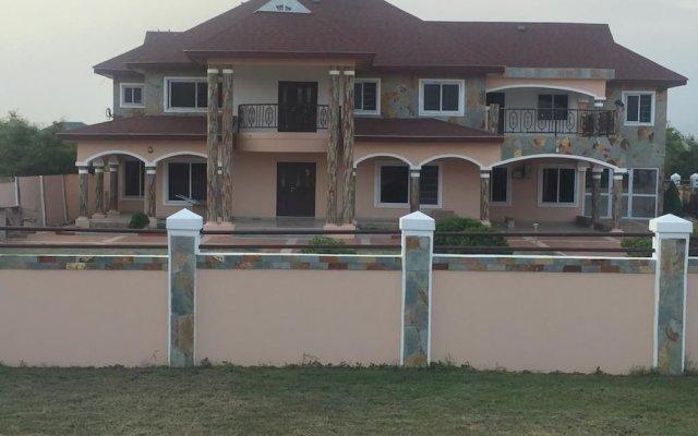 Отель Royal Kamak Hotel Гана, Тема - отзывы, цены и фото номеров - забронировать отель Royal Kamak Hotel онлайн вид на фасад