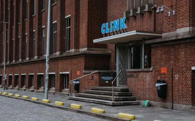 Отель ClinkNOORD - Hostel Нидерланды, Амстердам - 4 отзыва об отеле, цены и фото номеров - забронировать отель ClinkNOORD - Hostel онлайн вид на фасад