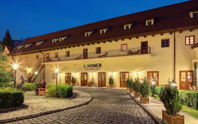Отель Lindner Hotel Prague Castle Чехия, Прага - 2 отзыва об отеле, цены и фото номеров - забронировать отель Lindner Hotel Prague Castle онлайн вид на фасад