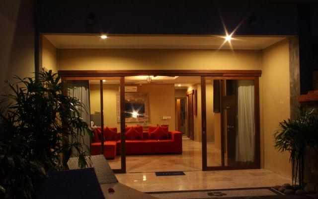 Отель Bayshore Villas Candi Dasa Индонезия, Бали - отзывы, цены и фото номеров - забронировать отель Bayshore Villas Candi Dasa онлайн вид на фасад