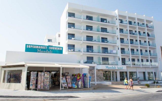 Mandali Hotel Apartments вид на фасад