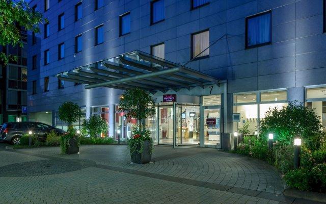 Mercure Hotel Düsseldorf City Nord вид на фасад