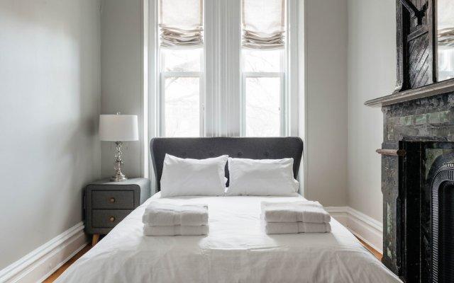 Отель 6 Bedroom Townhome Minutes from NYC США, Джерси - отзывы, цены и фото номеров - забронировать отель 6 Bedroom Townhome Minutes from NYC онлайн комната для гостей