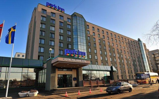 Гостиница Park Inn by Radisson Poliarnie Zori, Murmansk вид на фасад