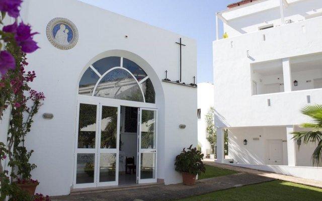 Отель FERGUS Conil Park Испания, Кониль-де-ла-Фронтера - отзывы, цены и фото номеров - забронировать отель FERGUS Conil Park онлайн вид на фасад