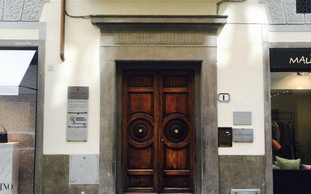 Отель Parione Uno вид на фасад