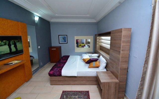 Signatious Hotel and Suites Delta