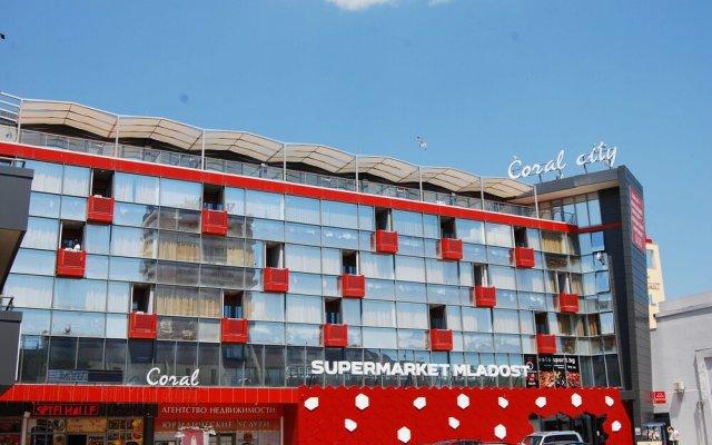 Отель Hostel Coral City Болгария, Солнечный берег - отзывы, цены и фото номеров - забронировать отель Hostel Coral City онлайн вид на фасад