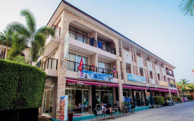 Отель Kata Blue Sea Resort вид на фасад