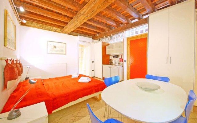 Апартаменты DolceVita Apartments N. 118 Венеция комната для гостей