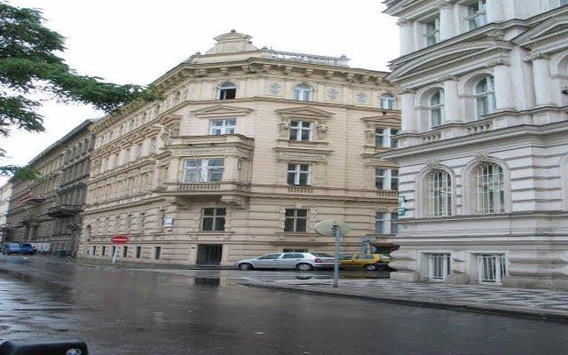 Отель PVH Charming Flats Janackovo Прага вид на фасад