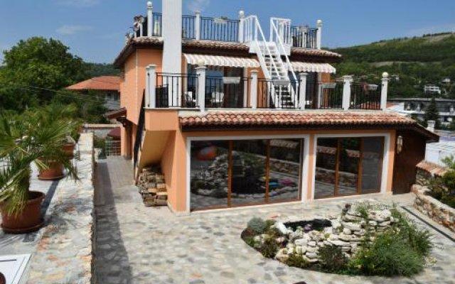 Отель Villa Rosa Dei Venti Болгария, Балчик - отзывы, цены и фото номеров - забронировать отель Villa Rosa Dei Venti онлайн вид на фасад