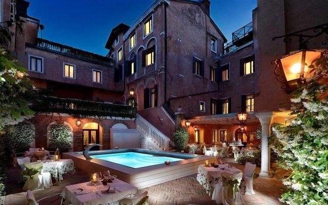 Отель Giorgione Италия, Венеция - 8 отзывов об отеле, цены и фото номеров - забронировать отель Giorgione онлайн вид на фасад