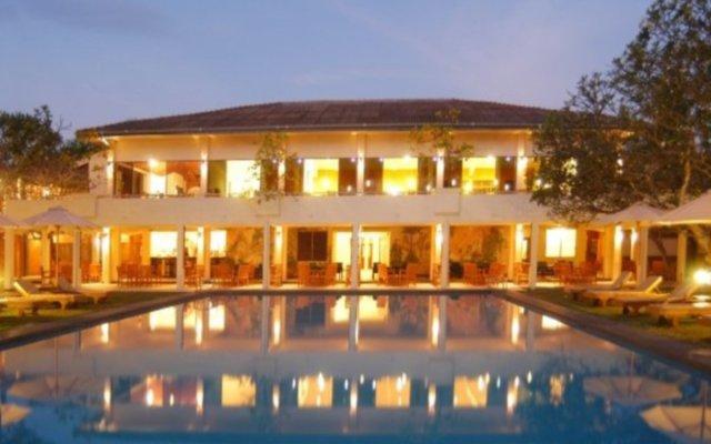 Отель Mermaid Hotel & Club Шри-Ланка, Ваддува - отзывы, цены и фото номеров - забронировать отель Mermaid Hotel & Club онлайн вид на фасад