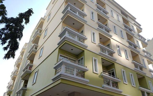 Отель 14 Place Sukhumvit Suites вид на фасад