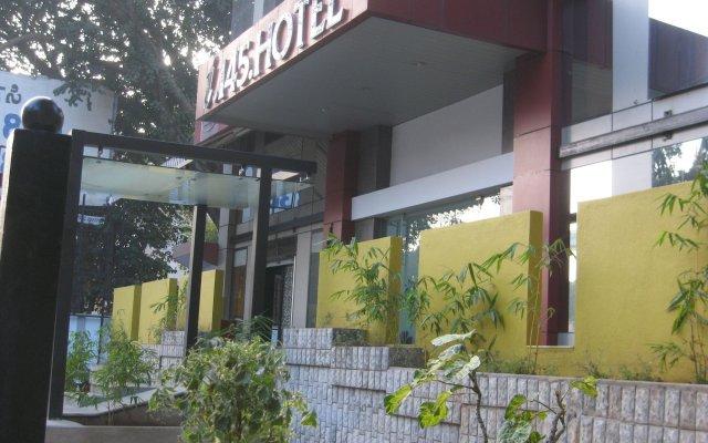 I145 Hotel вид на фасад