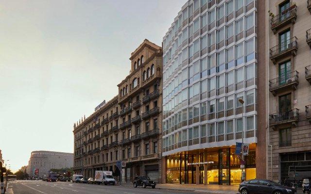 Отель Exe Plaza Catalunya вид на фасад