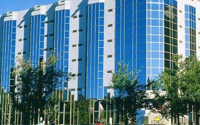 Отель Chrome Montreal Centre-Ville Канада, Монреаль - отзывы, цены и фото номеров - забронировать отель Chrome Montreal Centre-Ville онлайн вид на фасад