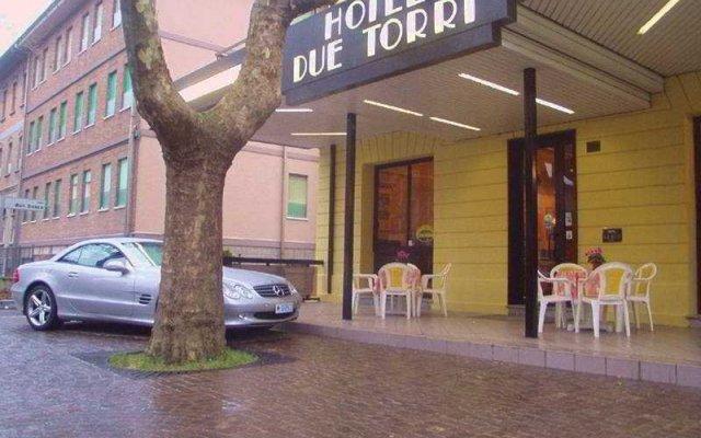 Отель Due Torri вид на фасад