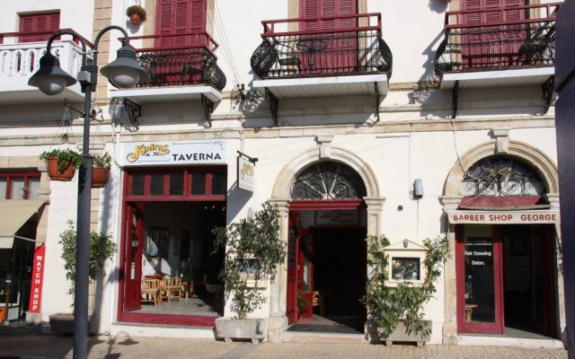 Kiniras Traditional Hotel & Restaurant вид на фасад