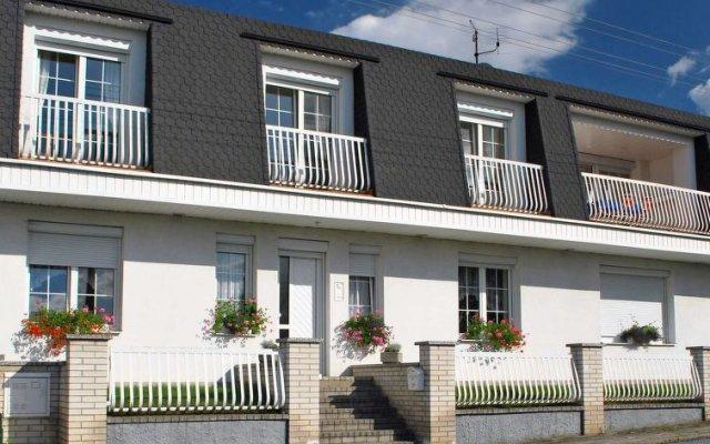 Отель U jezera Чехия, Пльзень - отзывы, цены и фото номеров - забронировать отель U jezera онлайн вид на фасад