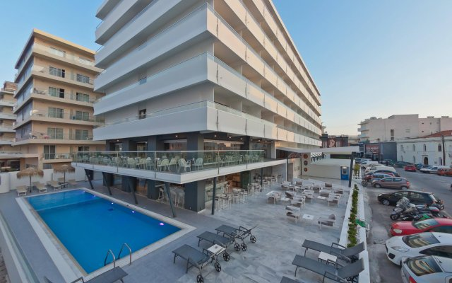 Alexia Premier City Hotel - Adults Only вид на фасад