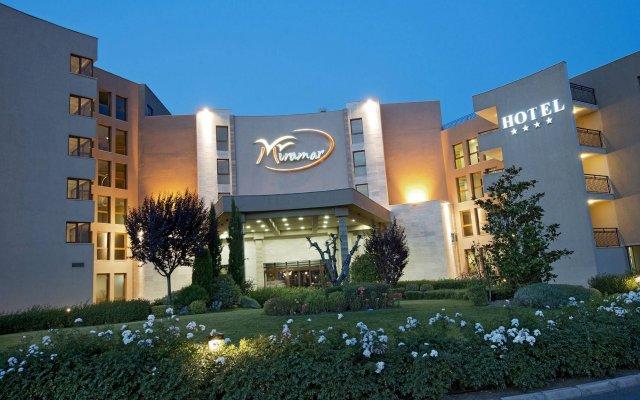 Club Hotel Miramar - Все включено Аврен вид на фасад